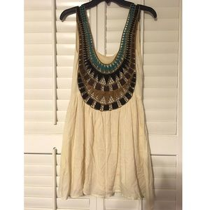 Casual cotton dress with colorful back cutout